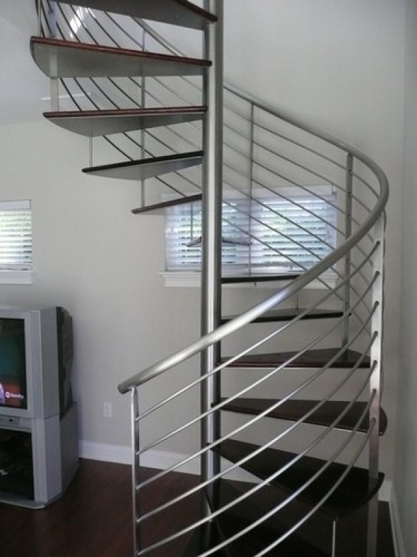 Escada de Aço Residencial