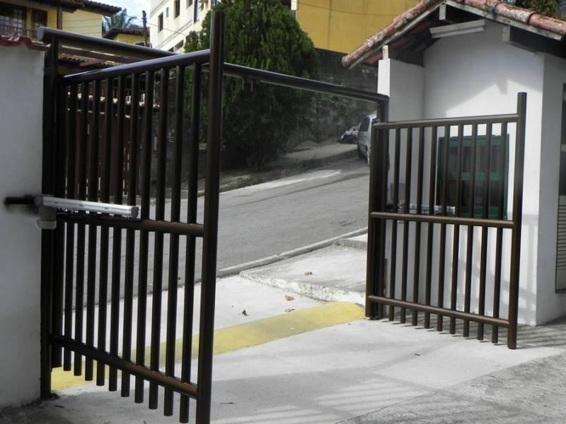 Portões Automático Pivotante Americana - Portão em Ferro
