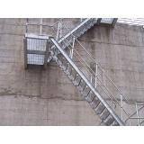 escada em aço carbono Caierias
