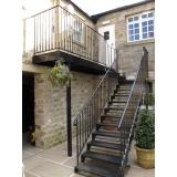 pedido de corrimão de ferro para escada externa Penha