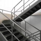 pedido de corrimão de ferro para escada Alphaville